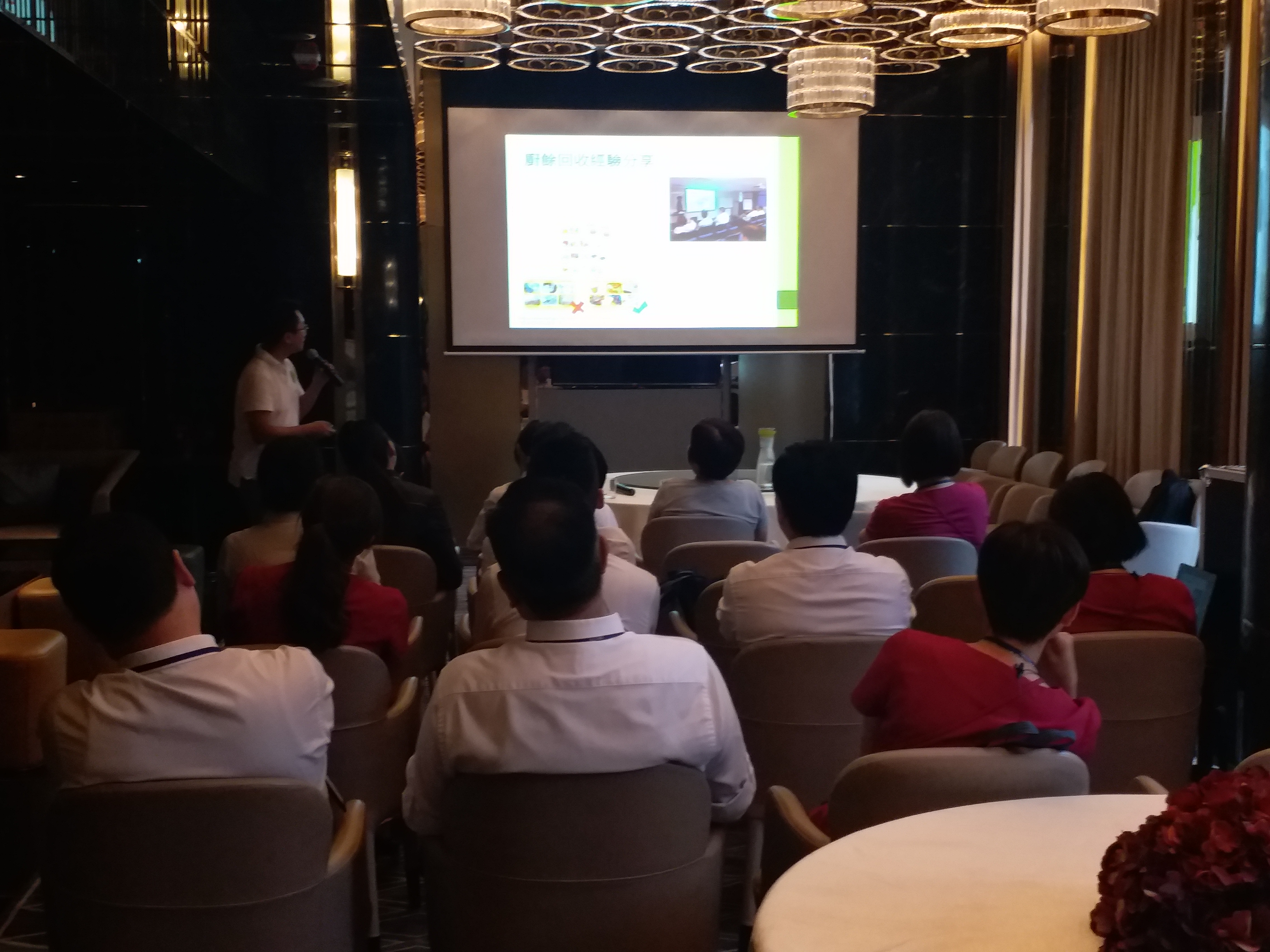 Speaker shared experience of food waste recycling with participants in the talk